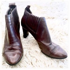 Costume National side gore brown booties , 38.5